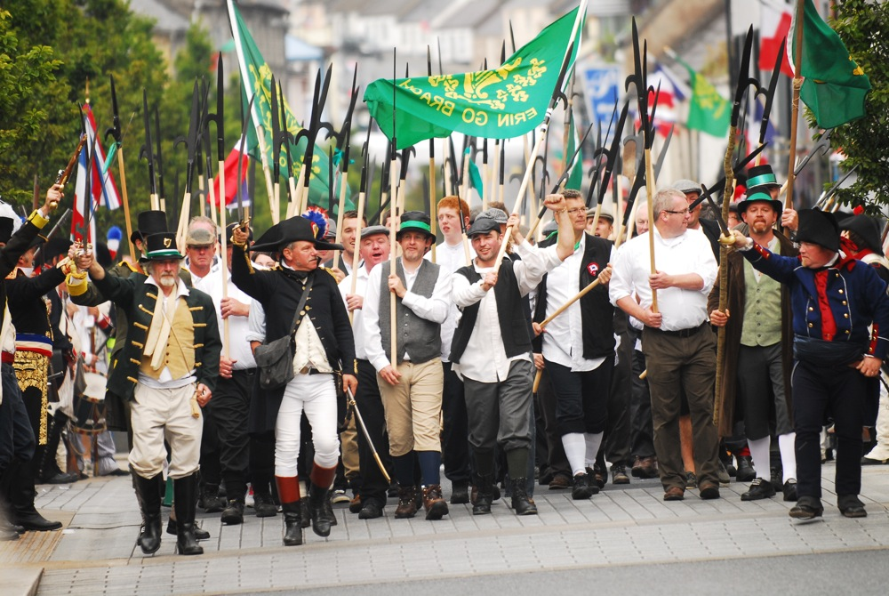 Irish Pikemen march through Castlebar